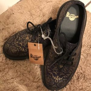 NWT-Dr. Martens airwair, Baroque print leather
